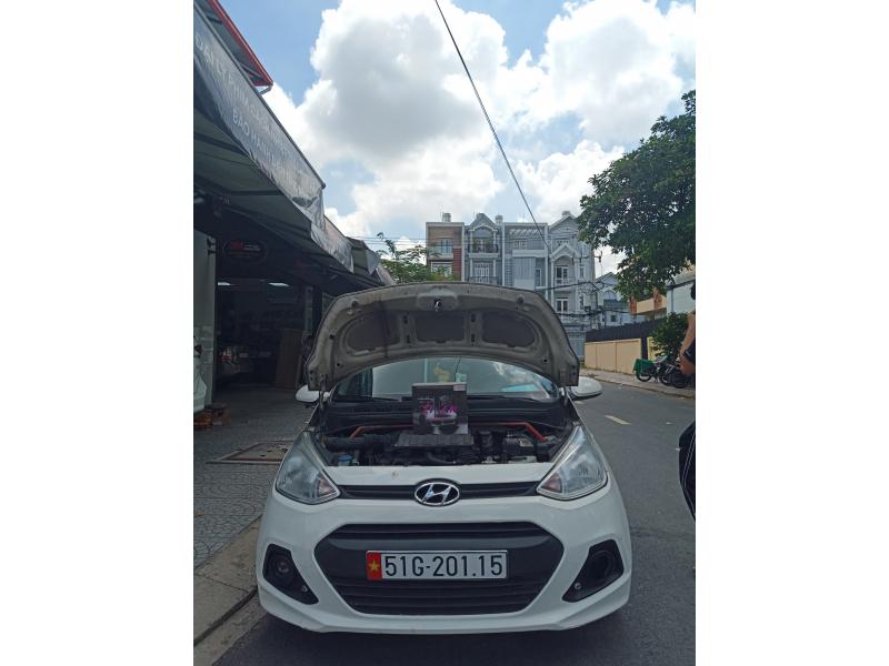 Độ đèn nâng cấp ánh sáng Bi Led Titan Black xe Huyndai I10