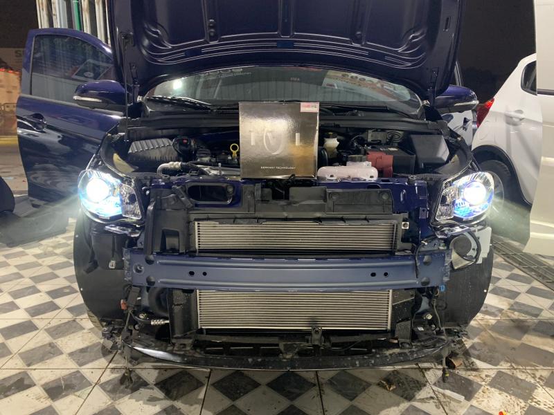 Độ đèn nâng cấp ánh sáng Bi led Silver xe Vinfast Fadil