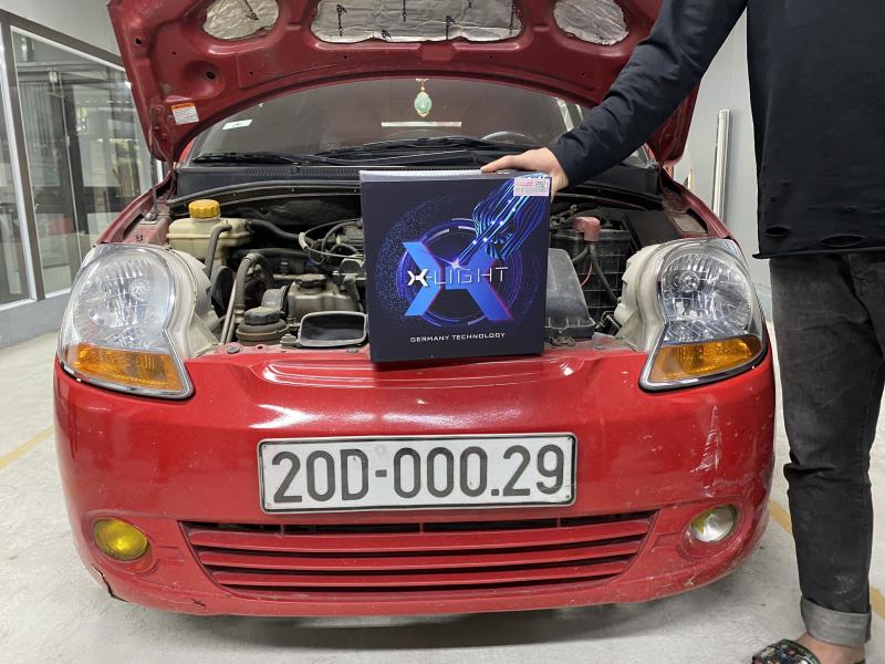 Độ đèn nâng cấp ánh sáng Bi Led X-Light V30 Ultra cho Spark Vans