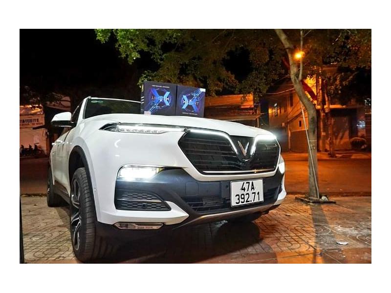 Độ đèn nâng cấp ánh sáng BI LED X-LIGHT V30 ULTRA + BI LASER X-LIGHT V30L ULTRA XE VINFAST LUX SA - TẤN TRÌNH BMT