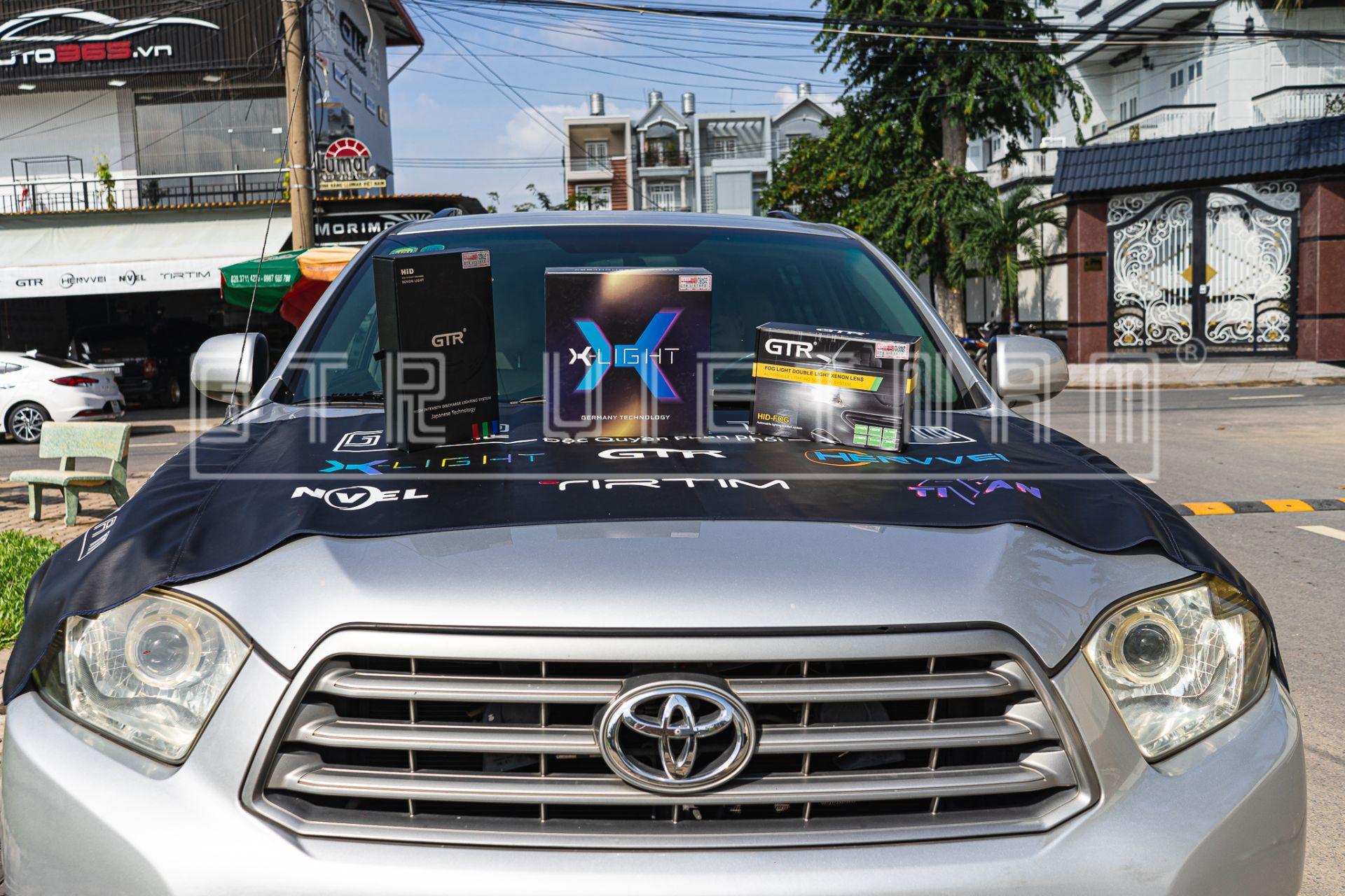 Toyota Highlander Sáng Căng Nét Với Bi Laser X-Light V10L
